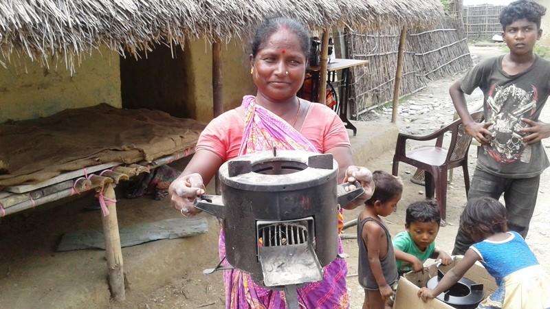 मोरङका ग्रामीण भेगमा सुधारिएको चुलोप्रति आकर्षण