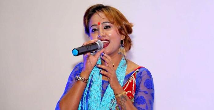 गायिका स्मृति गौतम भन्छिन्, 'आइ लभ यु' भन्ने धैरै छन्'