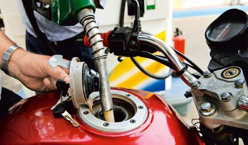 आधुनिक सफ्टवेयर जडान गरेर पेट्रोल पम्पमा  ठगी गरेको खुलासा