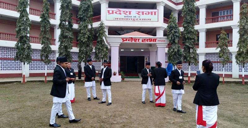 नेकपा र काँग्रेसकाे एकै स्वर : प्रदेश सरकारले कार्यकर्ता र भाई भान्जा पाल्न अबण्डा रकम राख्याे