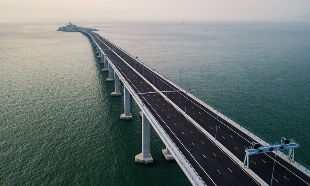 यस्तो छ विश्वकै लामो सामुद्रिक पुल (भिडियोसहित)