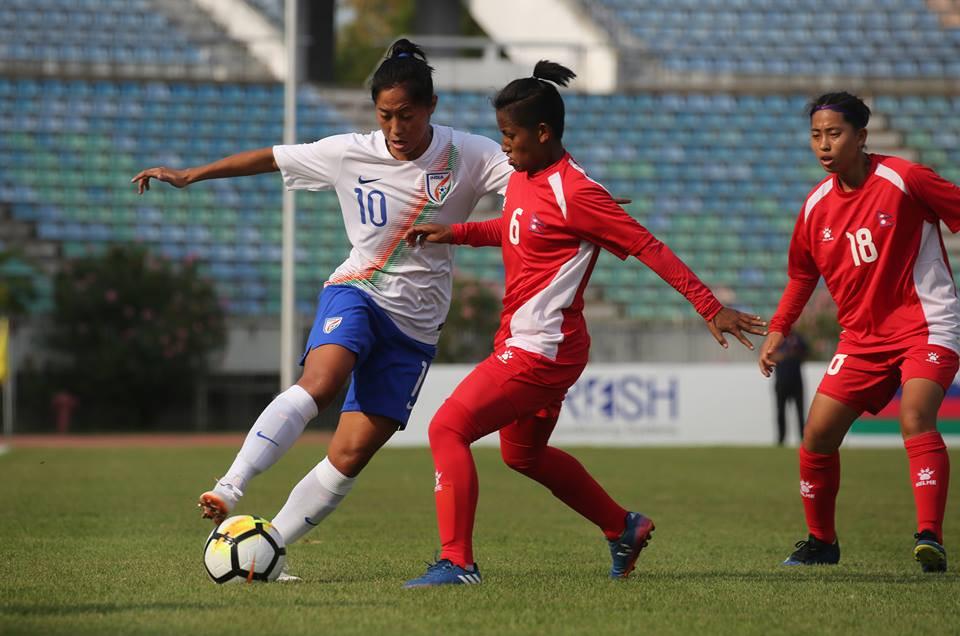 अाेलम्पिक महिला छनाेट फुटबलमा नेपाल र भारत बराबर