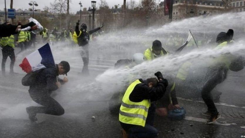 फ्रान्स आन्दोलन : आन्दोलनकारीको ज्यान मार्ने धम्कीपछि वार्ता भाँडियो