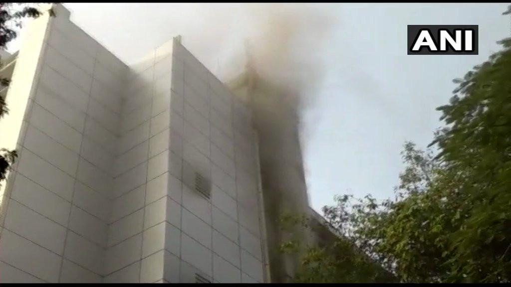 मुम्बईको अस्पतालमा आगलागी  ८ जनाको मृत्यु, १ सय ४० घाईते