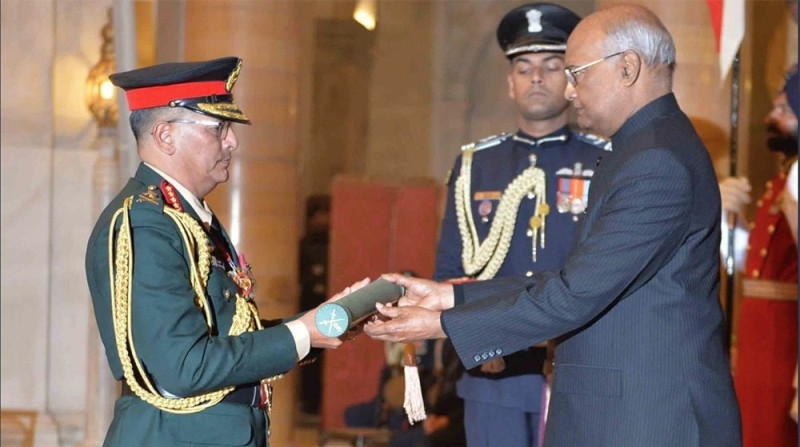 प्रधानसेनापति थापालाई भारतीय सेनाकाे  मनार्थ महारथीको दज्र्यानी प्रदान
