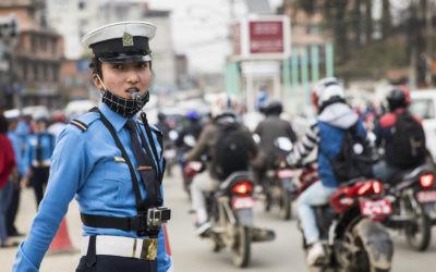 दुर्घटना न्यूनीकरण गर्न ट्राफिक प्रहरीको 'ठाउँका ठाउँ सुधार अभियान'