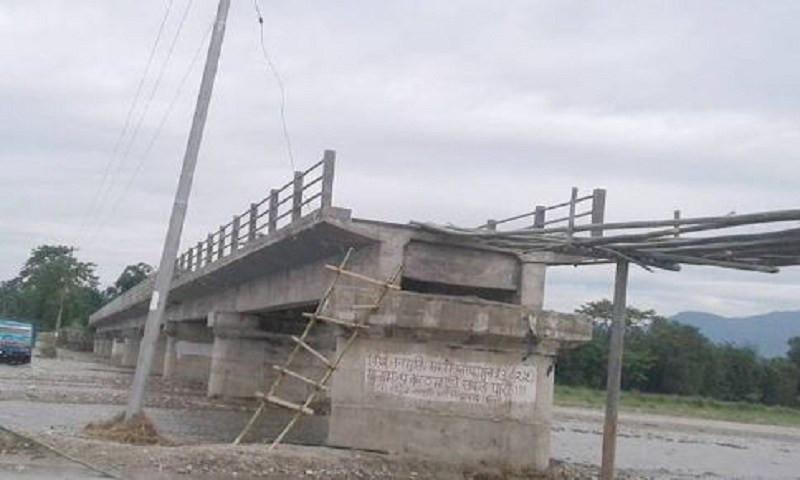 पश्चिम नवलपरासीमा ६ वर्षमा पनि बनेन पुल