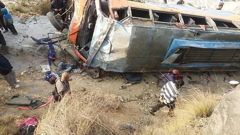 पर्वतको मालढुंगा बस दुर्घटना, मृत्यु हुनेकाे संख्या ७ पुग्याे (अपडेट)