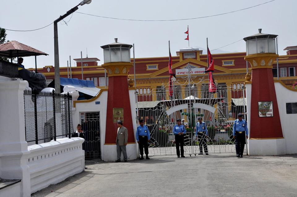 राष्ट्रपतिद्धारा गण्डकीमा गुरुङ र लुम्बिनीमा शेरचनलाई प्रदेश प्रमुख नियुक्त
