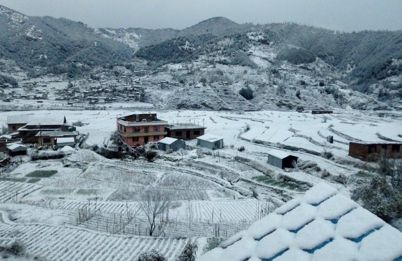 हिउँले घेरियो मकवानपुरका चार गाउँ, हेटौँडामा महोत्सव उद्घाटन रोकियो
