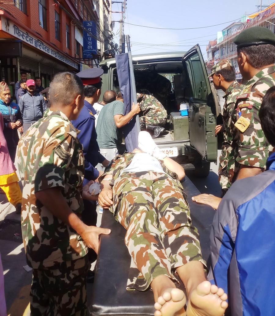 घाइते सैनिकलाई काठमाडौं पठाइयो