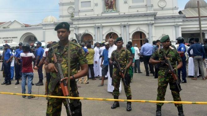 श्रीलङ्का आक्रमण : सरकारले सामाजिक सञ्जालमा किन प्रतिबन्ध लगायो ?