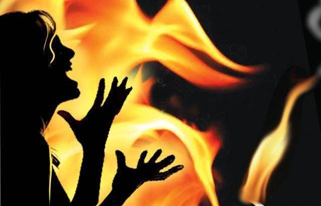 दारु खाएर घरमा आगो लगाई पत्नीको हत्या