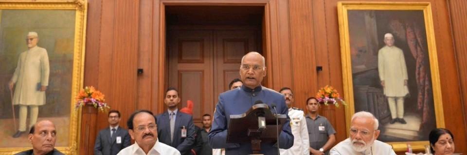 भारतीय प्रधानमन्त्री नरेन्द्र मोदीले दिए पदबाट राजीनामा, नयाँ सरकार गठनकाे तयारी