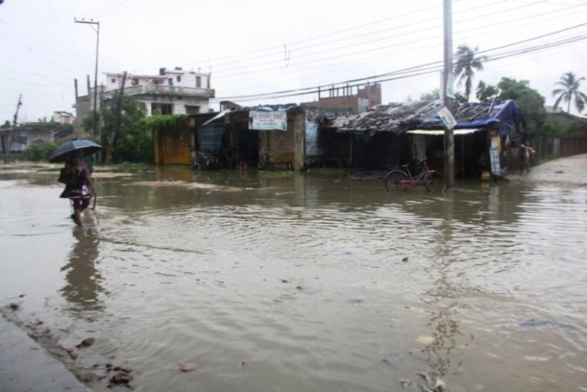 धनुषामा वर्षाले ७ वटा घर भत्कियाे, लाखौको क्षति