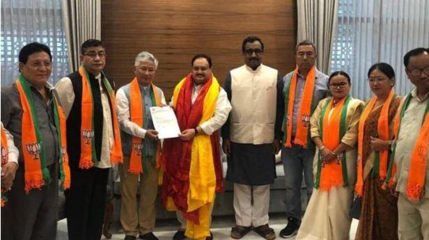 सिक्किममा पवन चाम्लिङको एसडीएफ पत्तासाफ, १३ सांसदमध्ये १० जना भाजपा पसे