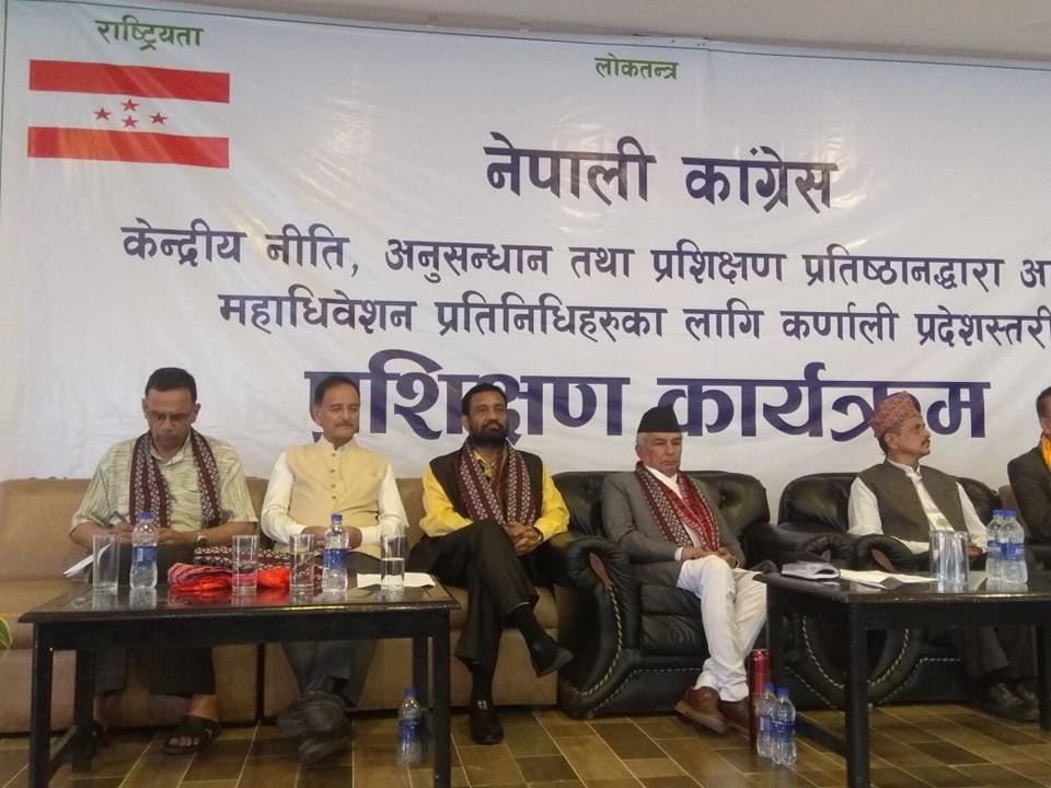नेपालमा राजतन्त्र फर्कने कुरा पृथ्वी पल्टनु जस्तै हो : रामचन्द्र पौडेल