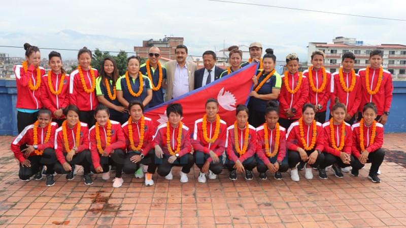 नेपाली महिला फुटबल टिम 'नादेज्दा कप' खेल्न किर्गिस्तान प्रस्थान