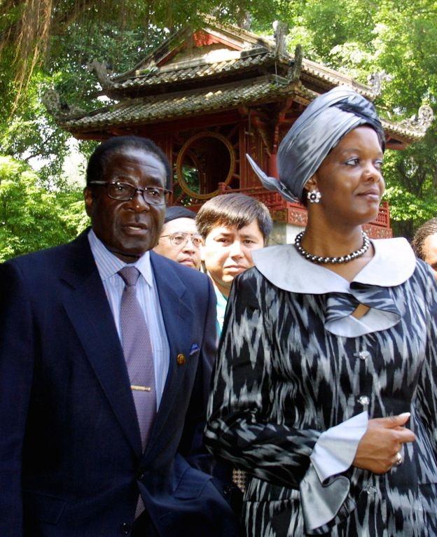जिम्बावेका पूर्वराष्ट्रपति मुगावेको उपचारकै क्रममा सिंगापुरमा निधन