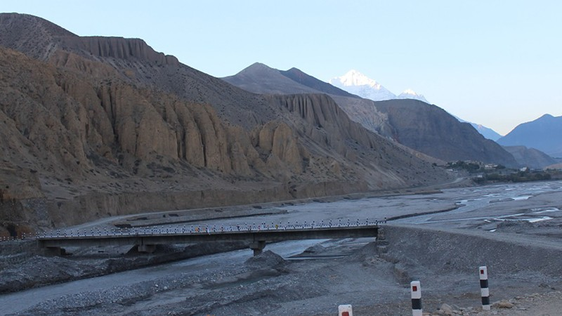 काेरला नाका जाेड्ने छुसाङमा मोटर चल्ने पुल निर्माण