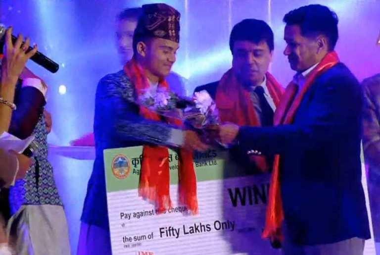 शनी विश्वकर्मा बने पहिलाे 'नेपाल लोक स्टार'