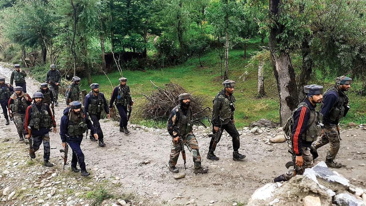 भारत प्रशासित कश्मीरमा ५ जनाकाे हत्या