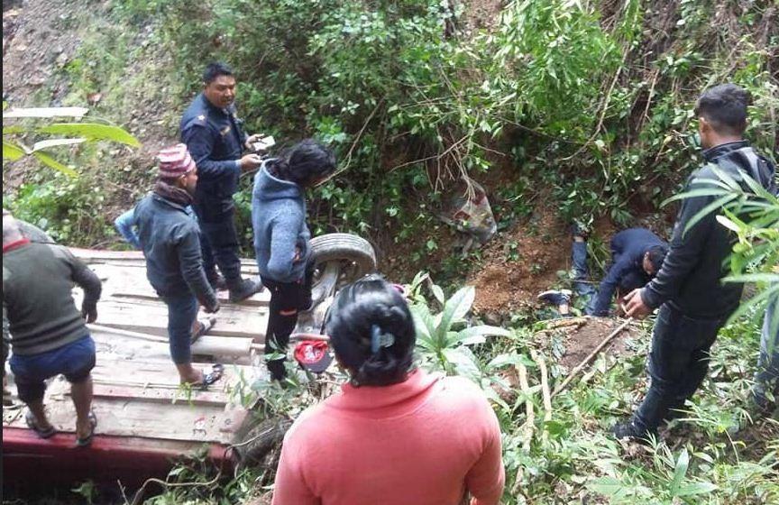 अर्घाखाँचीमा कार दुर्घटना, ३ यात्रुको मृत्यु