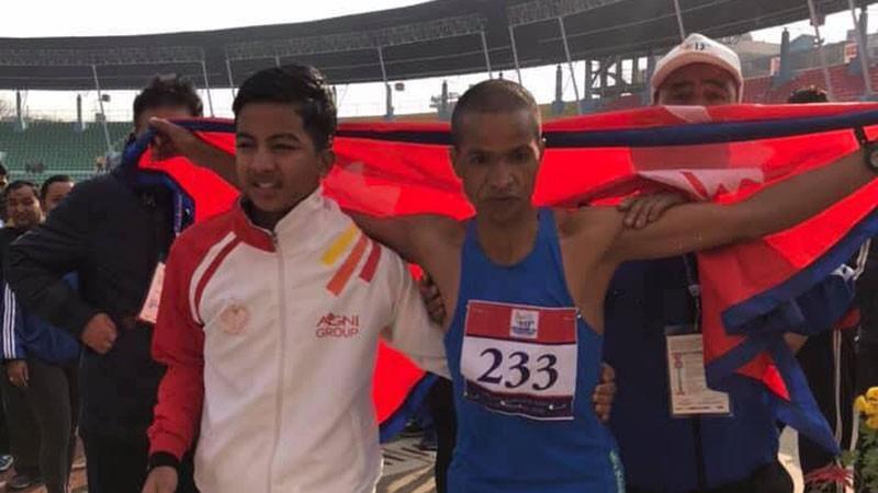 म्याराथनमा नेपालका किरणसिंह बाेगटीलाई स्वर्ण पदक