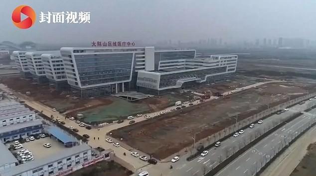 चीनको अर्को चमत्कार : २ दिनमै बन्यो १ हजार बेडको अस्पताल [भिडियोसहित]