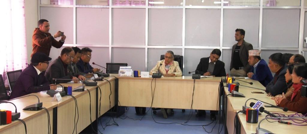महासंघ र विभिन्न समितिका सभापतिबीच छलफल