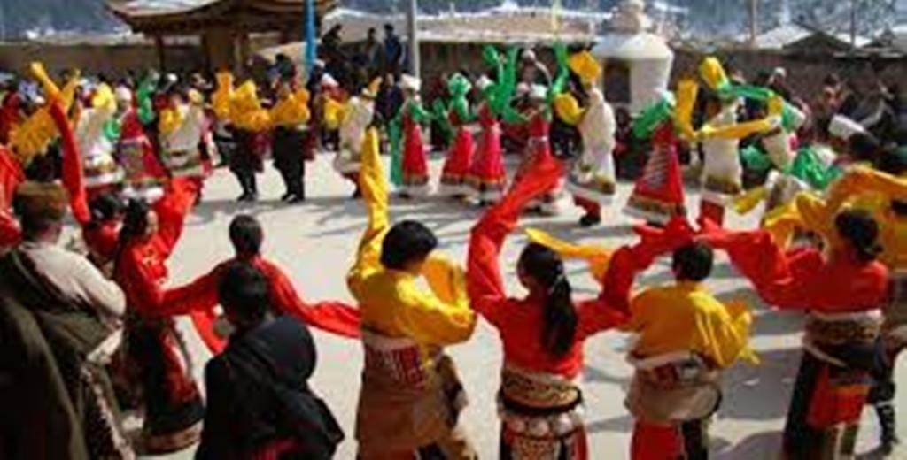 शेर्पा समुदायले  विविध कार्यक्रम  गरी ग्याल्बो ल्होसार मनाउँदै