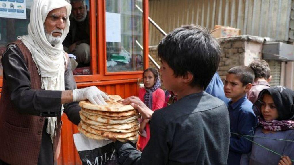 अफगानिस्तानमा खाद्य सहायता बाँड्ने क्रममा झडप हुँदा सातकाे मृत्यु