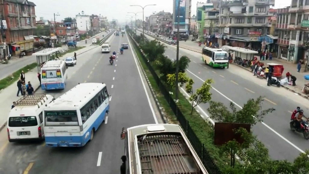 छोटो दूरीका सार्वजनिक यातायात चल्न पाउने,यात्रुले मास्क अनिवार्य लगाउनुपर्ने