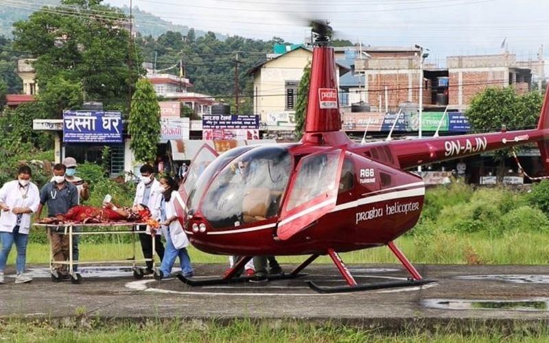 १७ बर्षीया गर्भवतीको हेलिकोप्टरबाट उद्धार