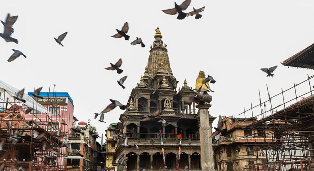श्रीकृष्ण जन्माष्टमी पर्व मनाइँदै,पाटनकाे कृष्ण मन्दिर भक्तजनका लागि बन्द