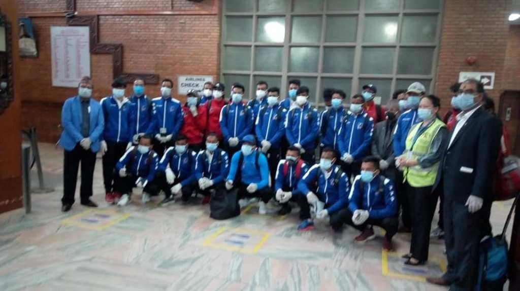 मैत्रीपूर्ण खेलका लागि राष्ट्रिय फुटबल टोली बङ्गलादेश पुग्याे