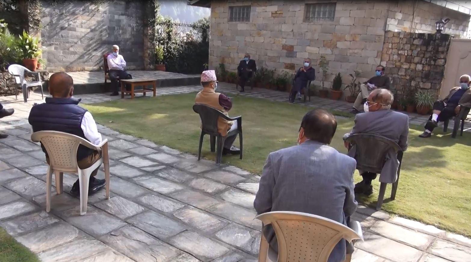 सभापति देउवाको नेतृत्वमा बहुमतकाे सरकारकाे दाबी गर्ने निर्णय