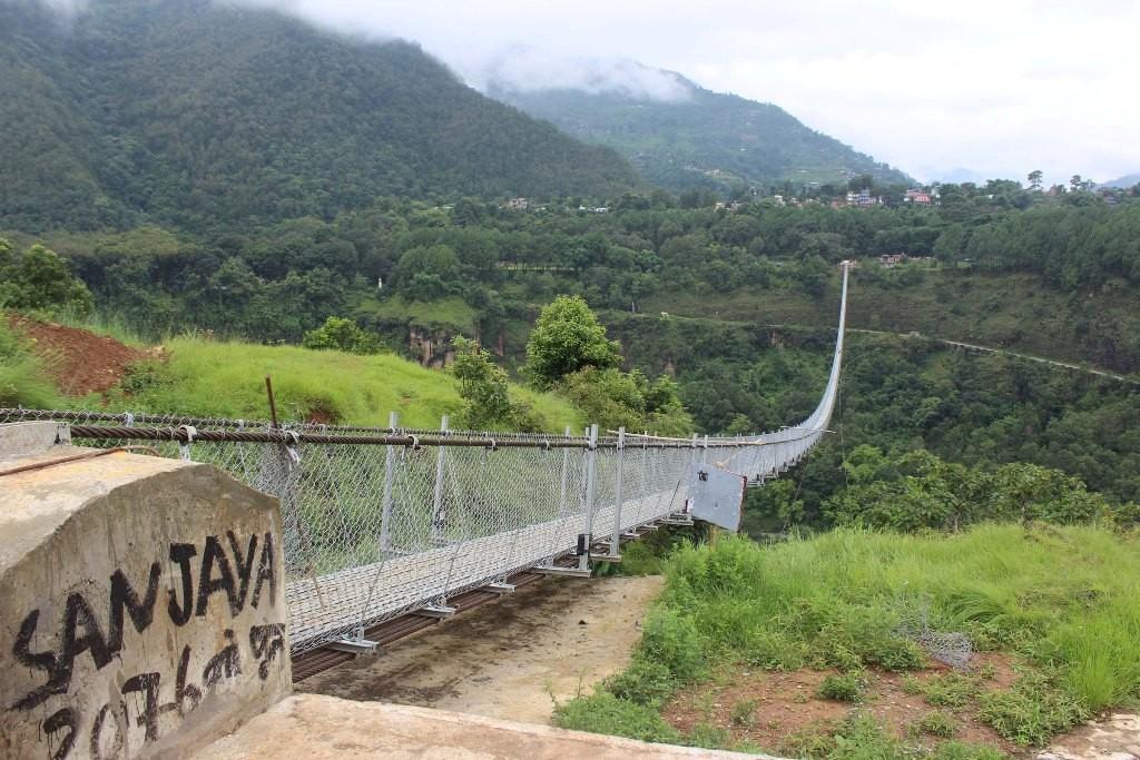 बागलुङ र पर्वत जोड्ने  लामो झोलुङ्गे पुललाई गिनिज बुकमा दर्ता गर्ने तयारी