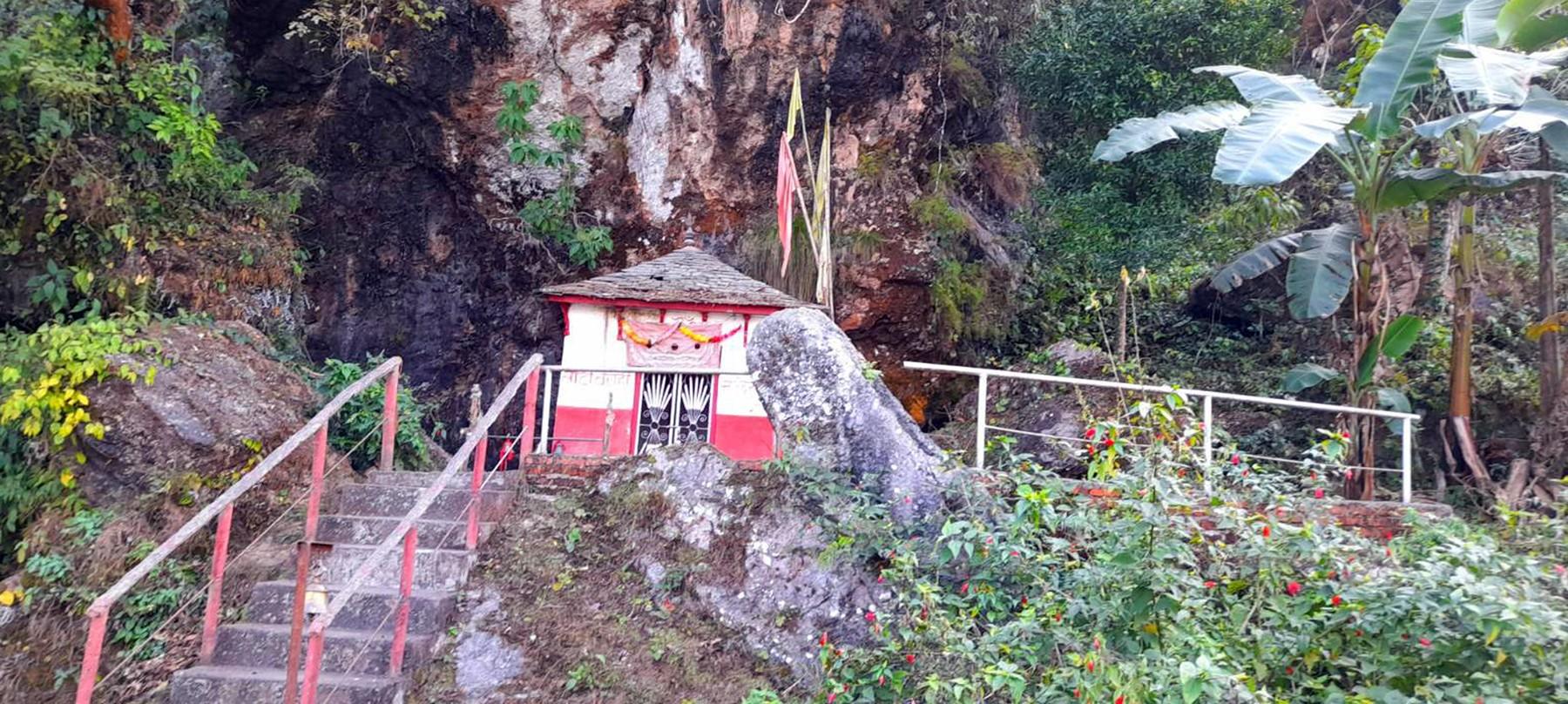 नबोल्ने बच्चालाई बोलाउने 'लाटी बाराही' मन्दिर