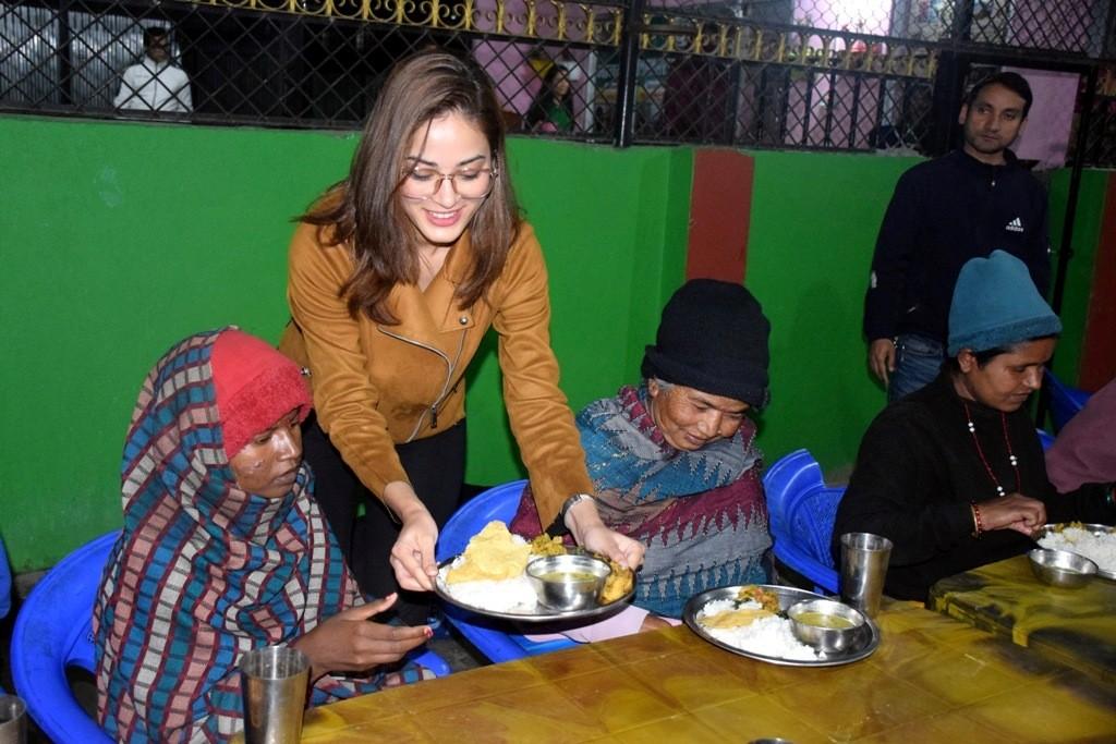 पूर्व मिस नेपाल खतिवडा खाना सर्व गर्दै