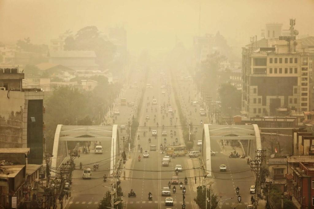 वायु प्रदूषण बढ्याे : अत्यावश्यक काम बाहेक घर बाहिर ननिस्कन विज्ञको सुझाव