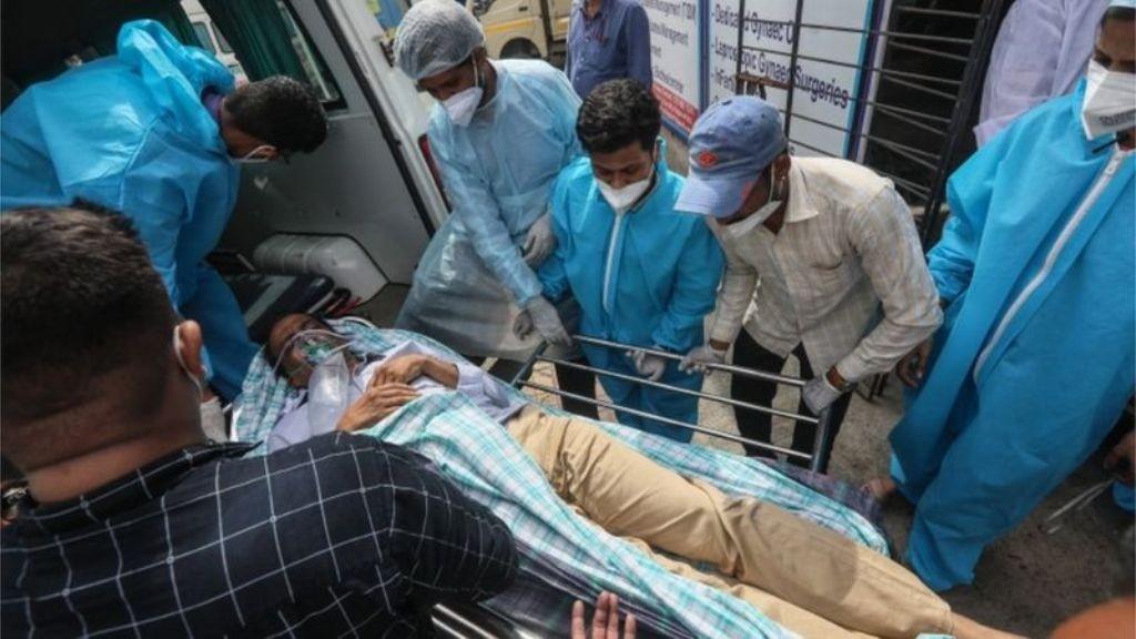 भारतकाे एक कोभिड अस्पतालमा आगलागी हुँदा कम्तीमा १३ जनाको मृत्यु