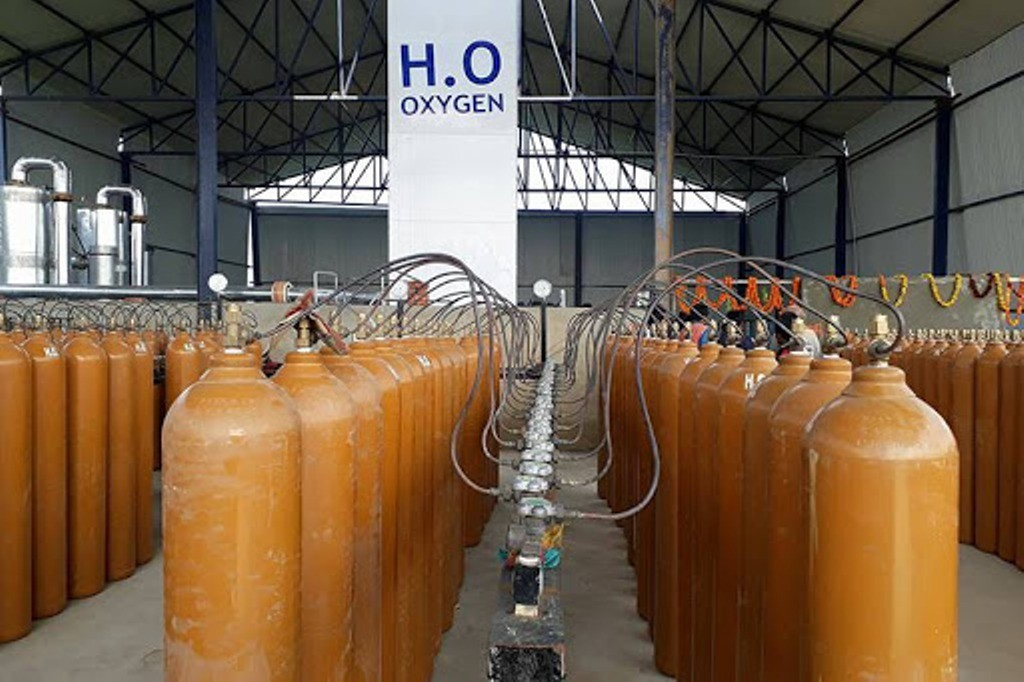 चीनबाट २० हजार  खाली अक्सिजन  सिलिन्डर ल्याइँदै