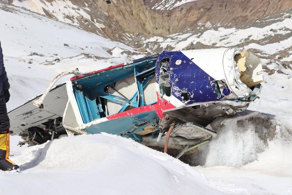 सफा हिमाल अभियान : दुई शव र हेलिकप्टरको अवशेष फेला