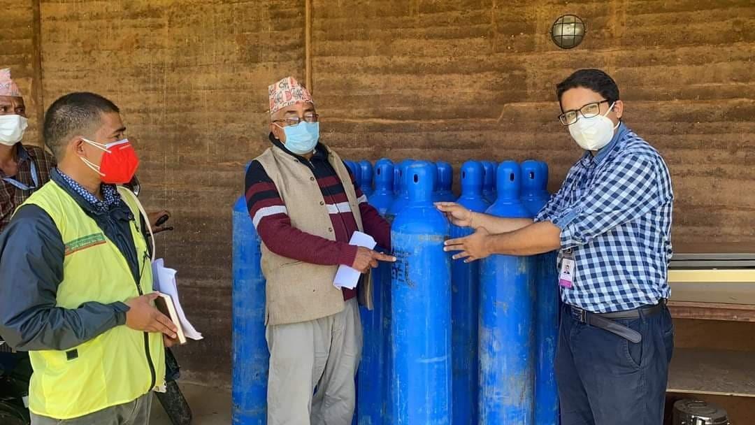बयलपाटा अस्पताललाई एनआरएन अफ्रिकाको अक्सिजन सहयोग