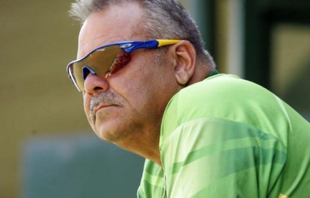 क्रिकेटका मुख्य प्रशिक्षक वाट्मोरले किन दिए राजीनामा?